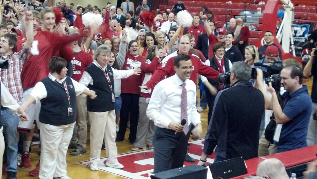 Miles and the Crowd closing the Devaney
